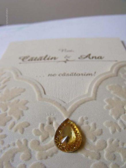 invitatie catifea si medalion