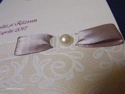 detaliu funda si perla