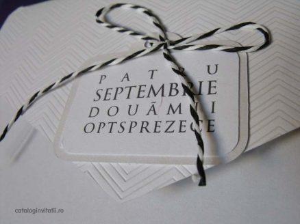 detaliu eticheta invitatie