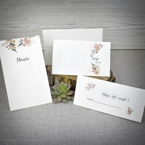 Set floral mix invitatie meniu si plic