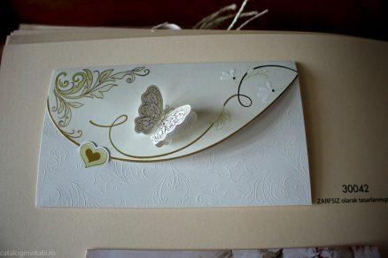 detaliu din catalog fluture Invitatie model 30042