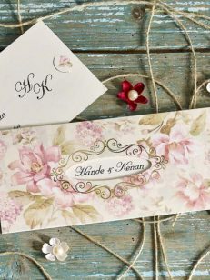 detaliu plan apropiat invitatie florala model 70243