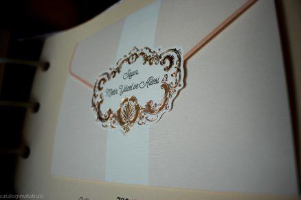 Detaliu apropiat din catalog Invitatie 70349