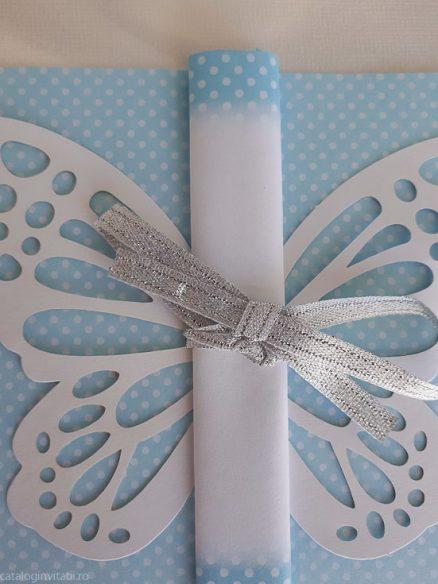 detaliu din catalog funda fluture Invitatie 8032