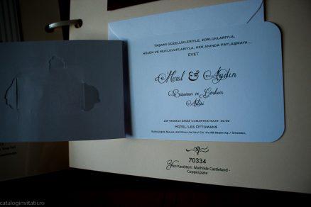detaliu apropiat din catalog invitatie 70334
