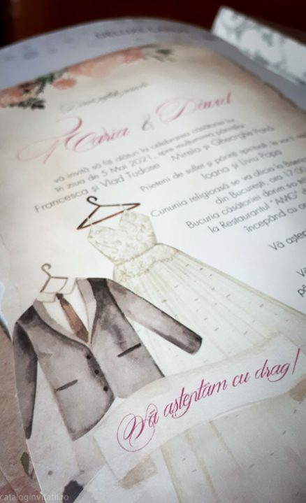 detaliu macro costum si rochie 39744
